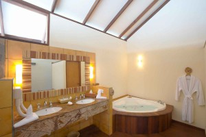 Filitheyo Water Villa bathroom