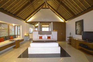 Ocean Front Deluxe Bungalow bedroom