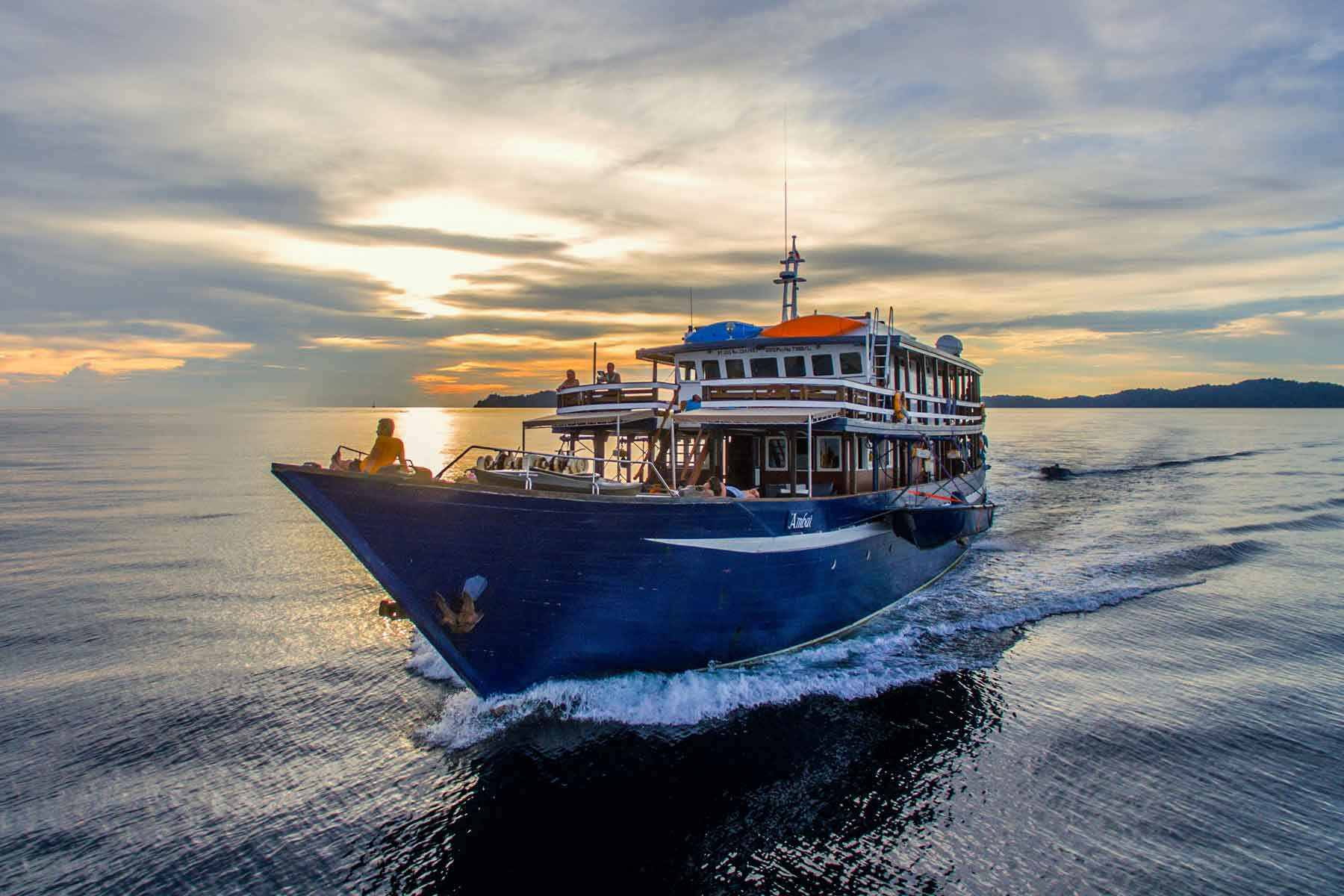 Raja Ampat Liveaboards   Indonesia Scuba Diving Holidays